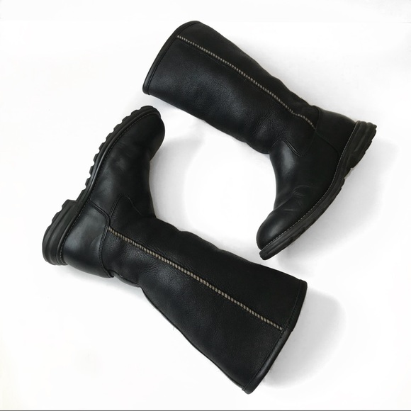 75ebe362cf3 UGG Brooks Tall Black Leather Sherpa Boots Size 7